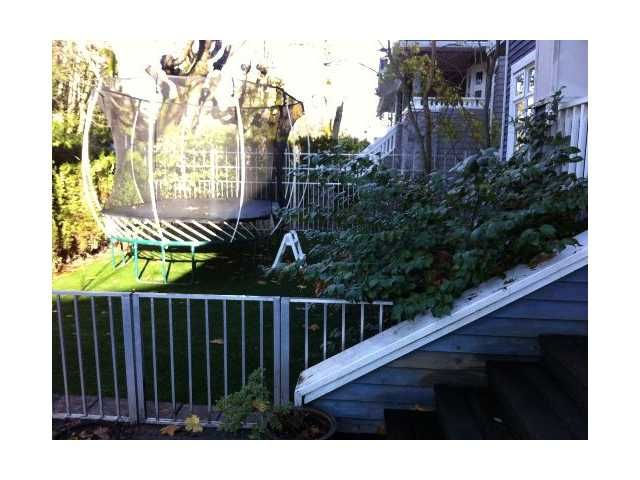 Photo 2: Photos: 1820 COLLINGWOOD Street in Vancouver: Kitsilano 1/2 Duplex for sale (Vancouver West)  : MLS®# V942383