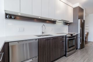 Photo 3: 305 4310 HASTINGS Street in Burnaby: Willingdon Heights Condo for sale (Burnaby North)  : MLS®# R2377246