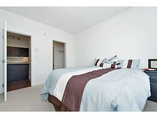 """Photo 13: 202 33539 HOLLAND Avenue in Abbotsford: Central Abbotsford Condo for sale in """"The Crossing - Building B"""" : MLS®# R2517839"""