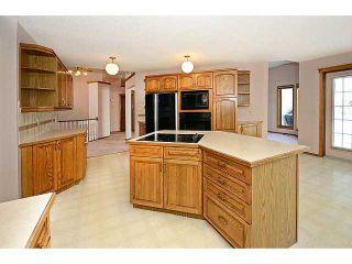 Photo 8: 13 DOUGLAS WOODS Manor SE in CALGARY: Douglasdale Estates Residential Detached Single Family for sale (Calgary)  : MLS®# C3595448