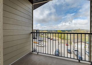 Photo 4: 1407 625 Glenbow Drive: Cochrane Apartment for sale : MLS®# A1110901