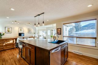 Photo 6: 100 Wedgewood Drive SW in Calgary: Wildwood Detached for sale : MLS®# A1062854
