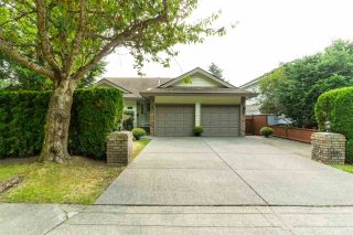 """Photo 2: 14230 20 Avenue in Surrey: Sunnyside Park Surrey House for sale in """"Sunnyside"""" (South Surrey White Rock)  : MLS®# R2499825"""