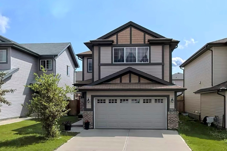 Main Photo: 2927 26 Avenue in Edmonton: Zone 30 House for sale : MLS®# E4261354