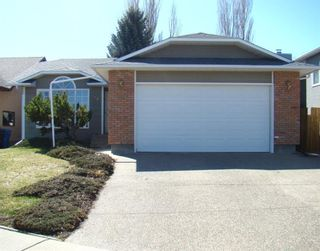 Photo 1: 34 Edgewood Place W: Lethbridge Detached for sale : MLS®# A1089634