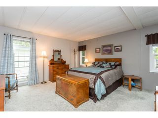 """Photo 10: 74 9080 198 Street in Langley: Walnut Grove Manufactured Home for sale in """"Forest Green Estates"""" : MLS®# R2457126"""