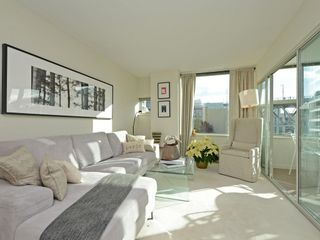 Photo 9: 702 1501 HOWE STREET in Vancouver: Yaletown Condo for sale (Vancouver West)  : MLS®# R2325497
