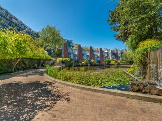 """Photo 44: 307 1502 ISLAND PARK Walk in Vancouver: False Creek Condo for sale in """"The Lagoons"""" (Vancouver West)  : MLS®# R2606940"""