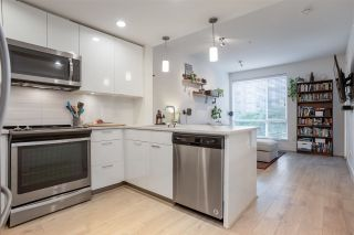 Photo 13: 207 719 W 3RD STREET in North Vancouver: Harbourside Condo for sale : MLS®# R2498764