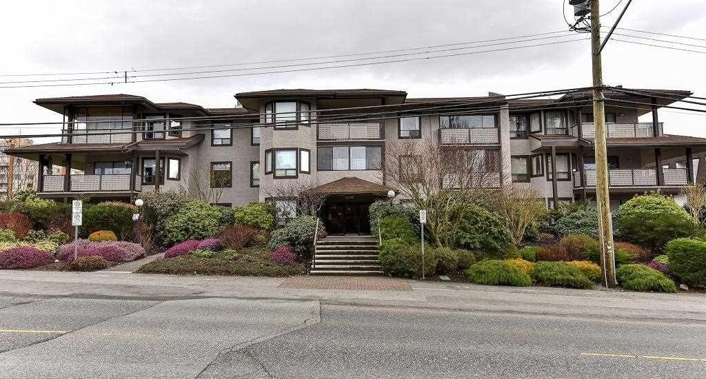 """Main Photo: 204 1460 MARTIN Street: White Rock Condo for sale in """"Capistrano"""" (South Surrey White Rock)  : MLS®# R2146095"""