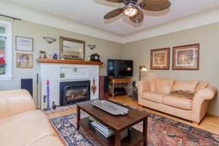 Photo 2: 1 752 Lampson St in Esquimalt: Es Rockheights House for sale : MLS®# 761678