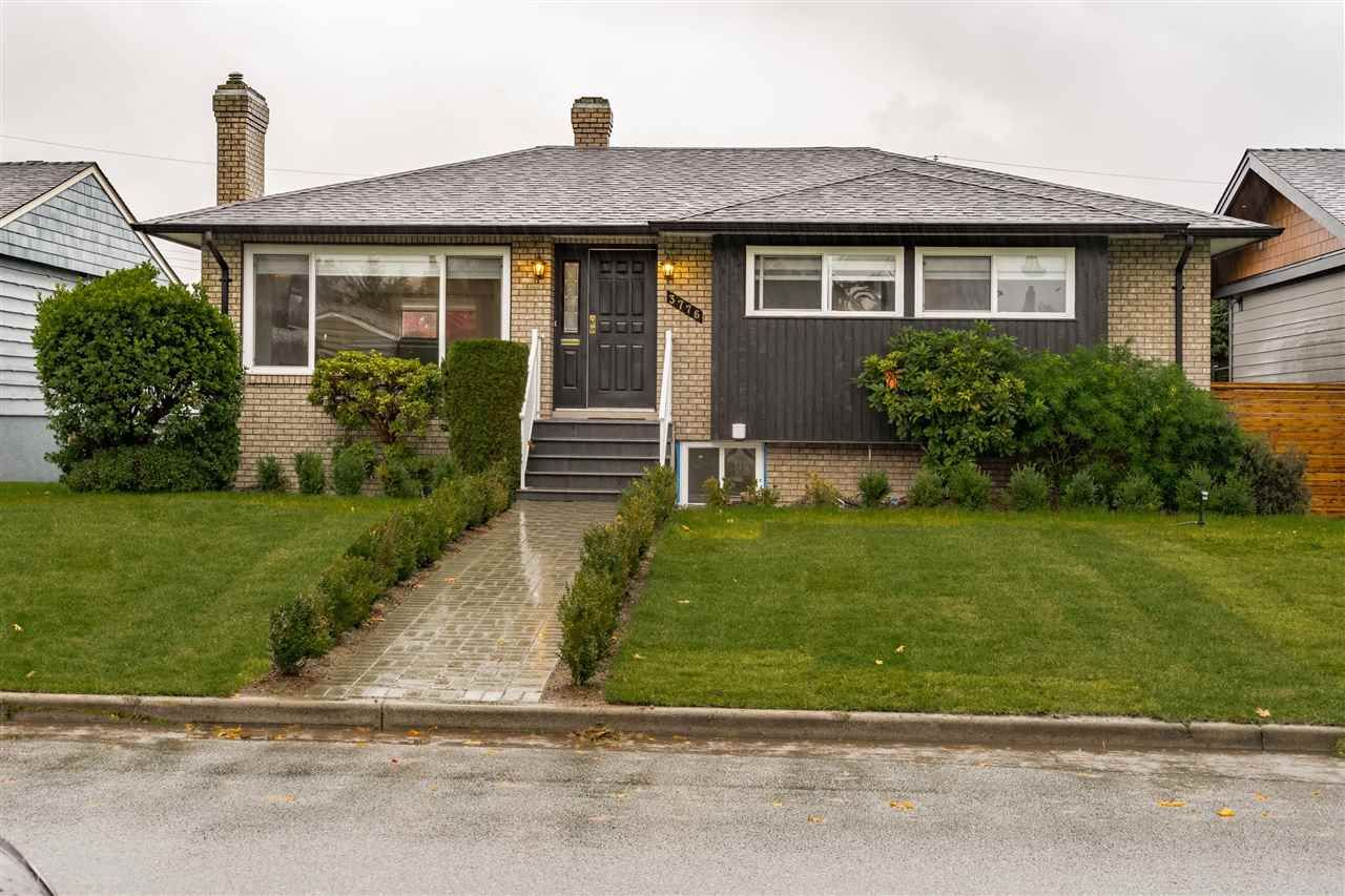 """Main Photo: 3776 VICTORY Street in Burnaby: Suncrest House for sale in """"SUNCREST"""" (Burnaby South)  : MLS®# R2500442"""