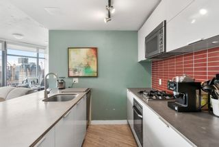 """Photo 10: 3208 128 W CORDOVA Street in Vancouver: Downtown VW Condo for sale in """"Woodwards (W43)"""" (Vancouver West)  : MLS®# R2538391"""