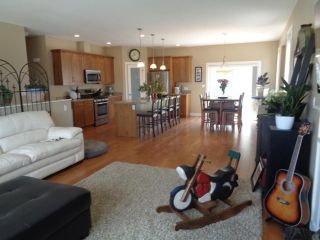 Photo 4: 200 FERNIE PLACE in KAMLOOPS: SOUTH KAMLOOPS House for sale : MLS®# 145695