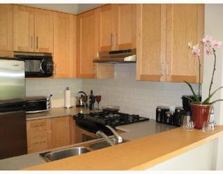 Photo 5: 301 2083 WEST 33rd AVENUE in VANCOUVER: Home for sale