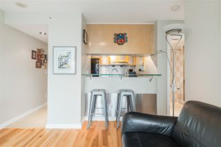 """Photo 6: 901 1003 BURNABY Street in Vancouver: West End VW Condo for sale in """"Milano"""" (Vancouver West)  : MLS®# R2498436"""