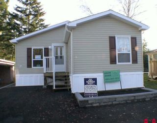 """Photo 1: 85 24330 FRASER Highway in Langley: Otter District Manufactured Home for sale in """"Langley Grove Estates"""" : MLS®# F2927033"""