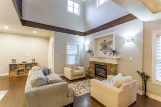 """Photo 2: 9 3495 147A Street in Surrey: King George Corridor Townhouse for sale in """"Elgin Creek Estates"""" (South Surrey White Rock)  : MLS®# R2423354"""