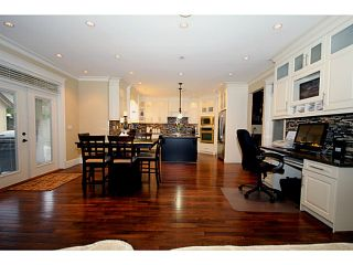 """Photo 10: 138 49TH Street in Tsawwassen: Pebble Hill House for sale in """"PEBBLE HILL/ENGLISH BLUFF"""" : MLS®# V1032694"""
