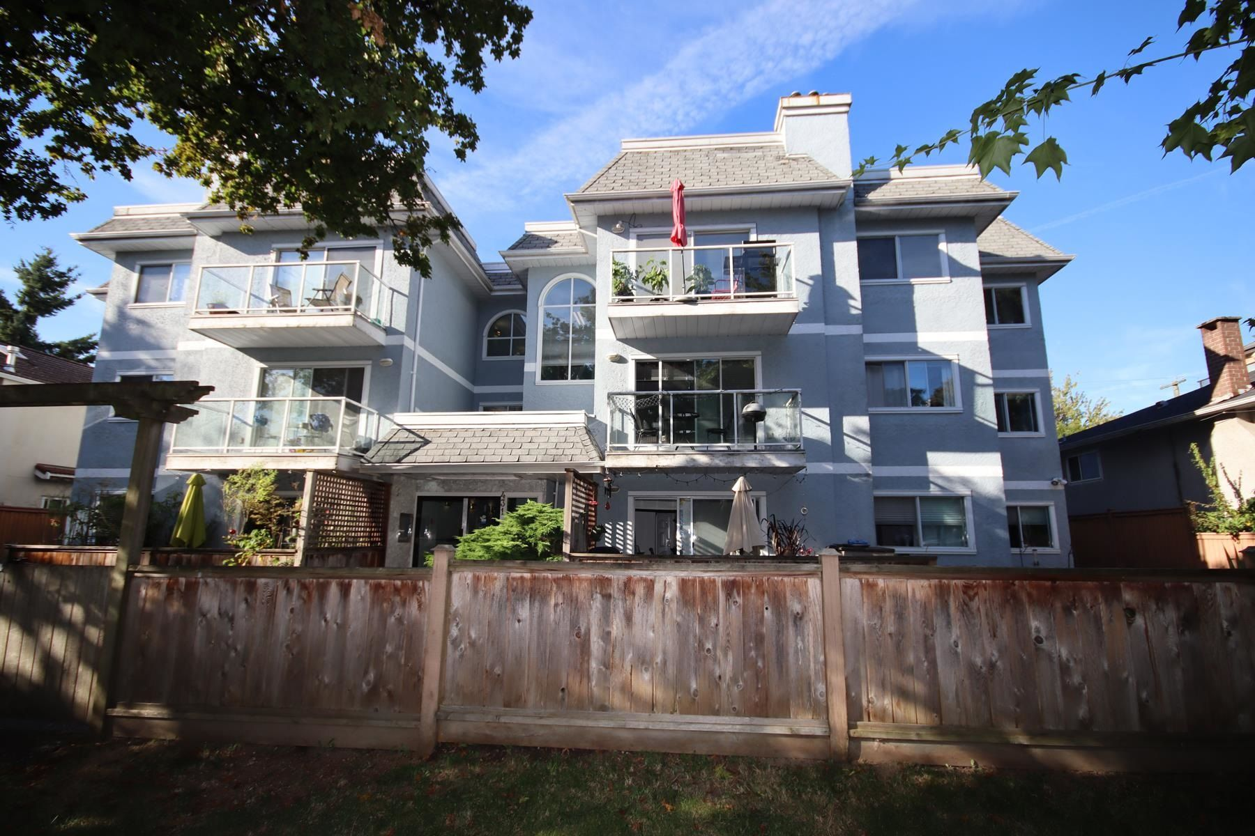FEATURED LISTING: 204 - 431 44TH Avenue East Vancouver