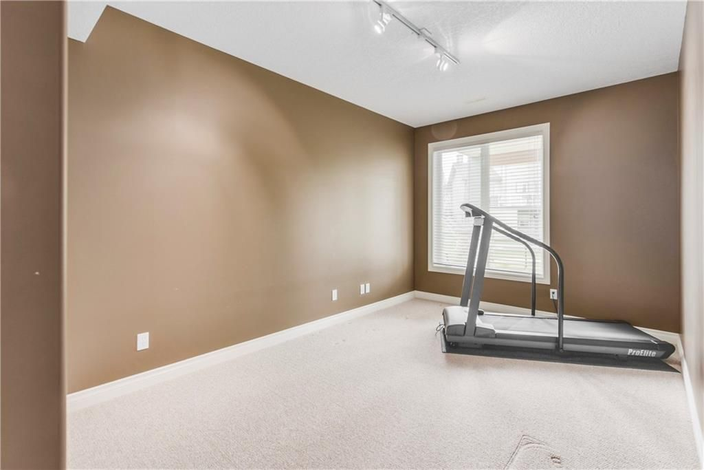 Photo 37: Photos: 73 DISCOVERY WOODS Villa SW in Calgary: Discovery Ridge Semi Detached for sale : MLS®# C4218779
