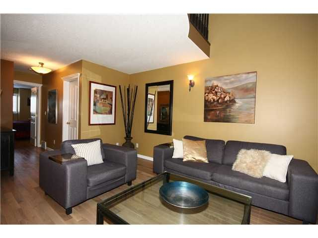 Photo 7: Photos: 1425 1 Street NE in CALGARY: Crescent Heights Townhouse for sale (Calgary)  : MLS®# C3550740