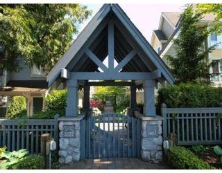Photo 1: # 15 1027 LYNN VALLEY RD in North Vancouver: Condo for sale : MLS®# V829211