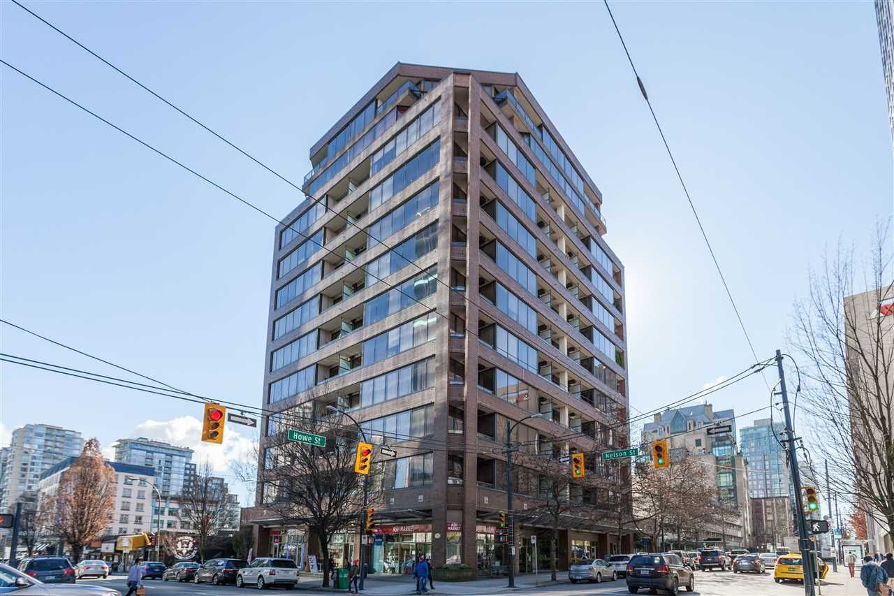 "Main Photo: 205 1010 HOWE Street in Vancouver: Downtown VW Condo for sale in ""1010 HOWE"" (Vancouver West)  : MLS®# R2141634"