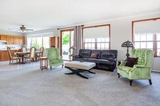Photo 12: OCEANSIDE House for sale : 4 bedrooms : 4864 Glenhollow Cir