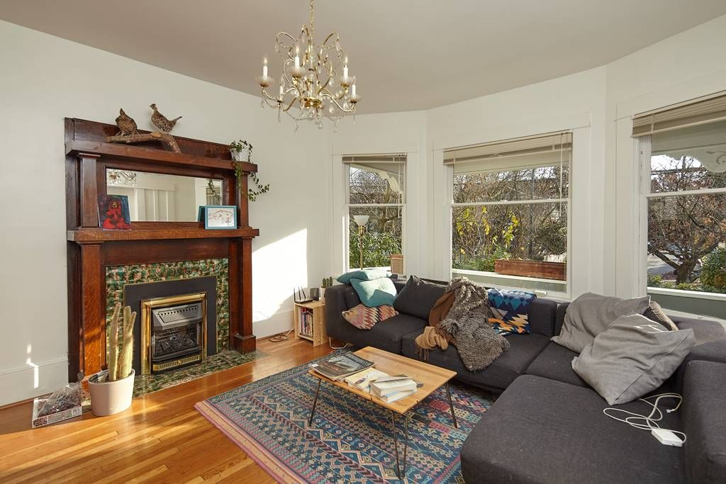 Photo 10: Photos: 1943 NAPIER Street in Vancouver: Grandview Woodland House for sale (Vancouver East)  : MLS®# R2423548