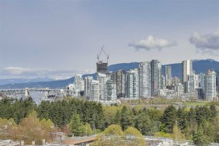 """Photo 3: 903 2411 HEATHER Street in Vancouver: Fairview VW Condo for sale in """"700 West 8th"""" (Vancouver West)  : MLS®# R2259809"""