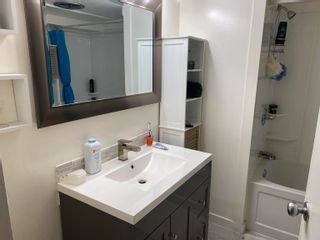 """Photo 5: 37 8266 KING GEORGE Boulevard in Surrey: Fleetwood Tynehead Manufactured Home for sale in """"Plaza"""" : MLS®# R2616816"""