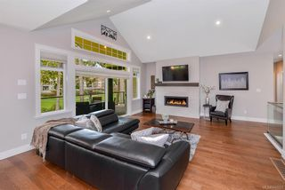 Photo 8: 2132 Champions Way in Langford: La Bear Mountain House for sale : MLS®# 843021