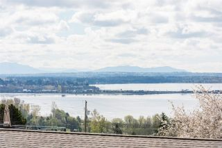 "Photo 2: 1180 MAPLE Street: White Rock House for sale in ""White Rock"" (South Surrey White Rock)  : MLS®# R2560150"