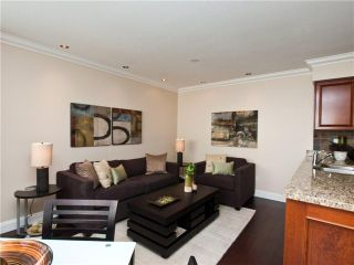 """Photo 4: 642 ST GEORGES Avenue in North Vancouver: Lower Lonsdale Townhouse for sale in """"ST GEORGES COURT"""" : MLS®# V899118"""