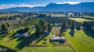Photo 6: 10715 REEVES Road in Chilliwack: East Chilliwack House for sale : MLS®# R2620626