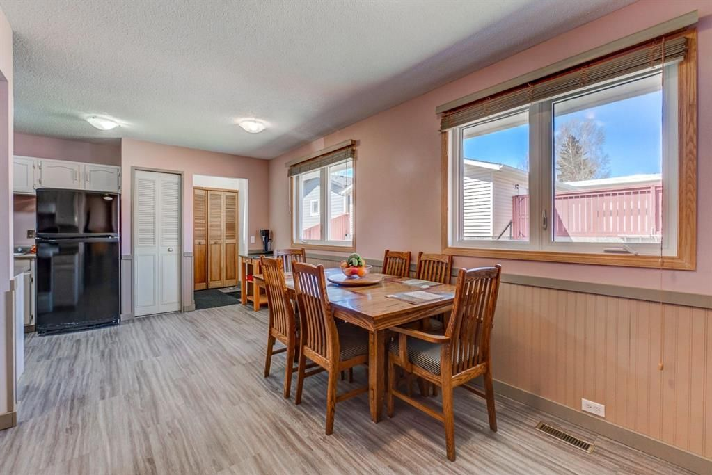 Photo 10: Photos: 499 Canterbury Drive SW in Calgary: Canyon Meadows Detached for sale : MLS®# A1107365