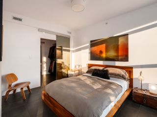 Photo 4: PH901 221 Union Street in Vancouver: Strathcona Condo  (Vancouver East)  : MLS®# R2491219