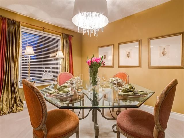 Photo 19: Photos: 7016 KENOSEE Place SW in Calgary: Kelvin Grove House for sale : MLS®# C4055215