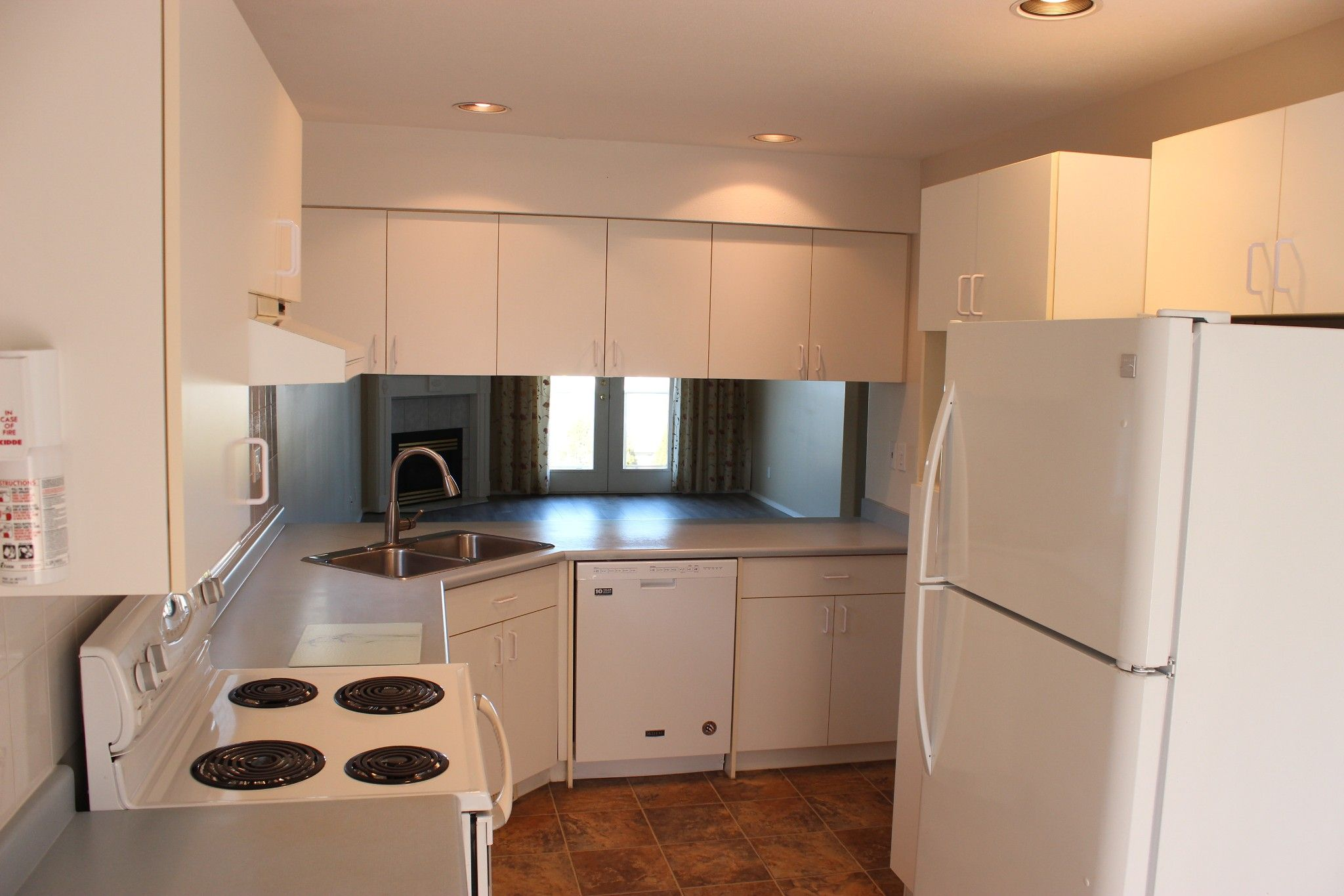 Photo 6: Photos: 4 1580 Springhill Drive in Kamloops: Sahali Townhouse for sale : MLS®# 156043