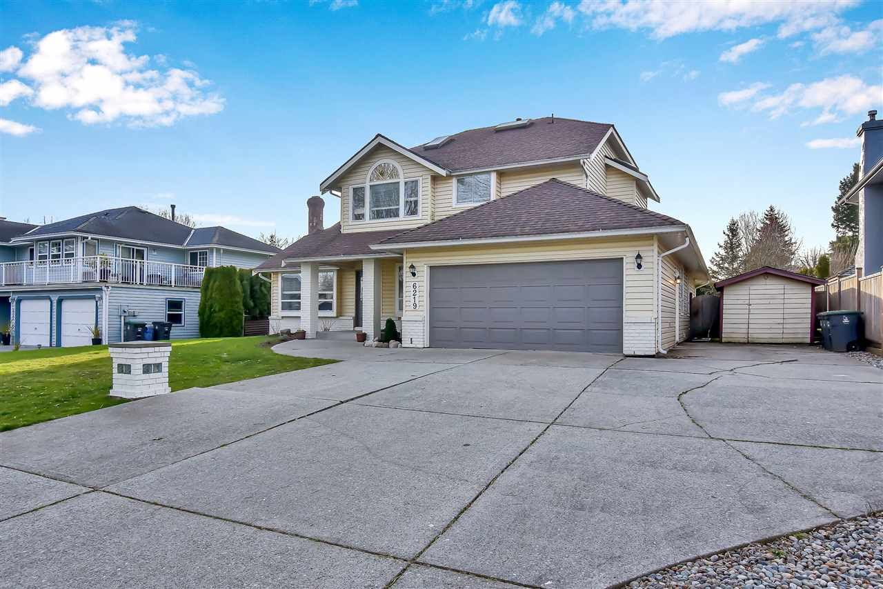 """Main Photo: 6219 189TH STREET Street in Surrey: Cloverdale BC House for sale in """"Eaglecrest"""" (Cloverdale)  : MLS®# R2549565"""