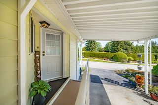 """Photo 5: 2 13507 81 Avenue in Surrey: Queen Mary Park Surrey Manufactured Home for sale in """"Park Boulevard Estates"""" : MLS®# R2460822"""