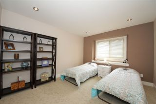 Photo 14: 41437 DRYDEN Road in Squamish: Brackendale House for sale : MLS®# R2088183