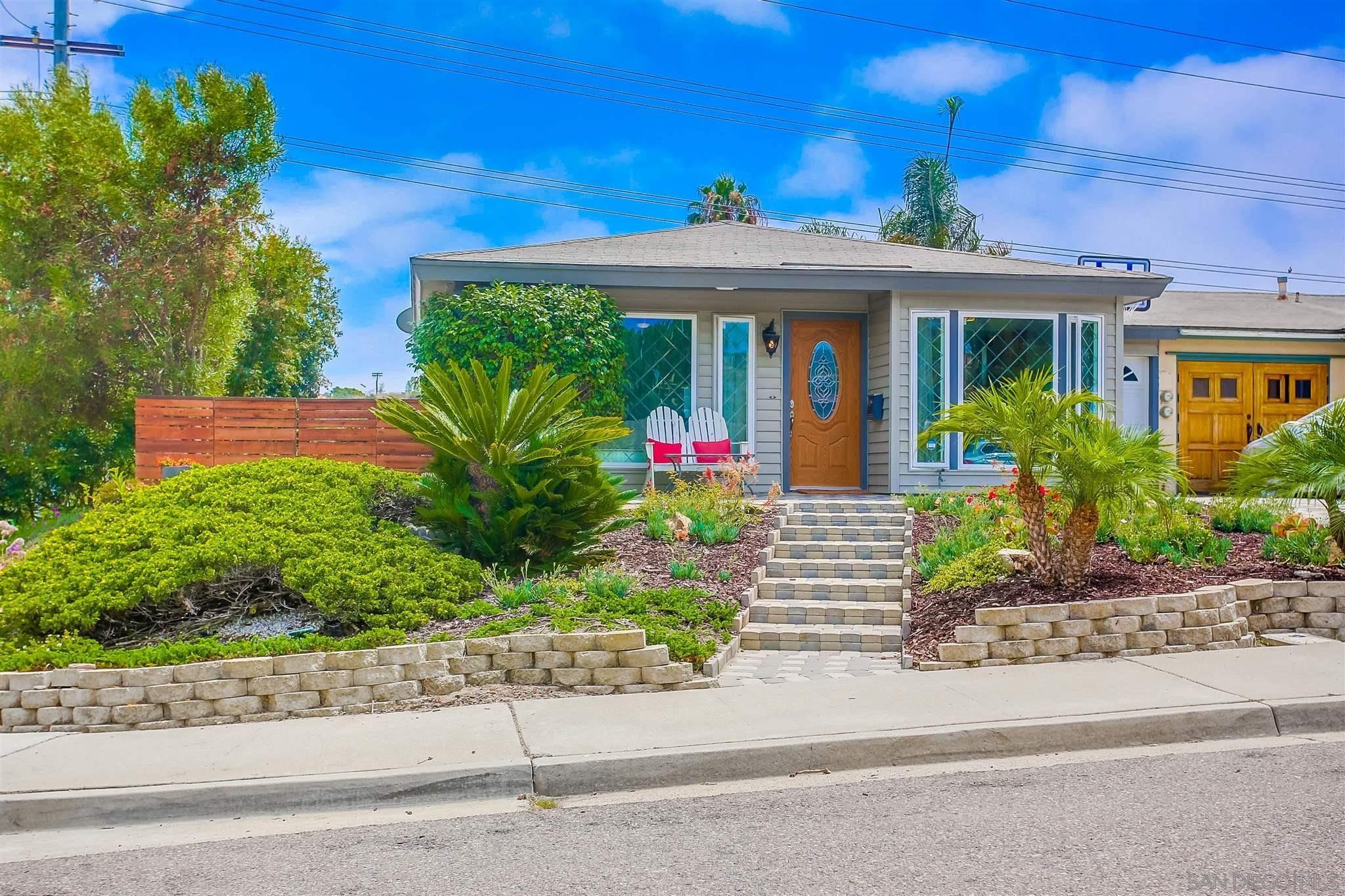 Main Photo: ENCINITAS Condo for sale : 2 bedrooms : 751 Sunflower St