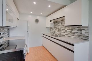Photo 1: 2 4515 7 Avenue SE in Calgary: Forest Heights Row/Townhouse for sale : MLS®# A1121436