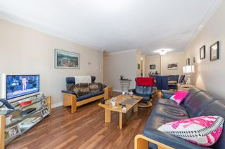 """Photo 10: 217 1850 E SOUTHMERE Crescent in Surrey: Sunnyside Park Surrey Condo for sale in """"SOUTHMERE PLACE"""" (South Surrey White Rock)  : MLS®# R2603585"""
