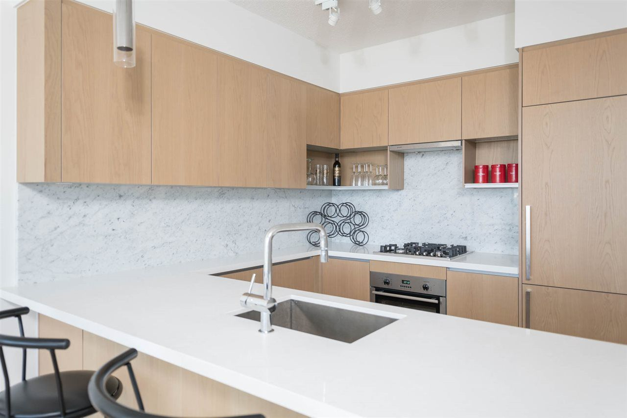 """Photo 5: Photos: 2106 6588 NELSON Avenue in Burnaby: Metrotown Condo for sale in """"The MET"""" (Burnaby South)  : MLS®# R2263344"""