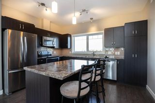 Photo 3: 10 Tweed Lane in Niverville: The Highlands Residential for sale (R07)  : MLS®# 1927670