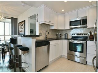 "Photo 5: 709 15111 RUSSELL Avenue: White Rock Condo for sale in ""PACIFIC TERRACE"" (South Surrey White Rock)  : MLS®# F1405374"