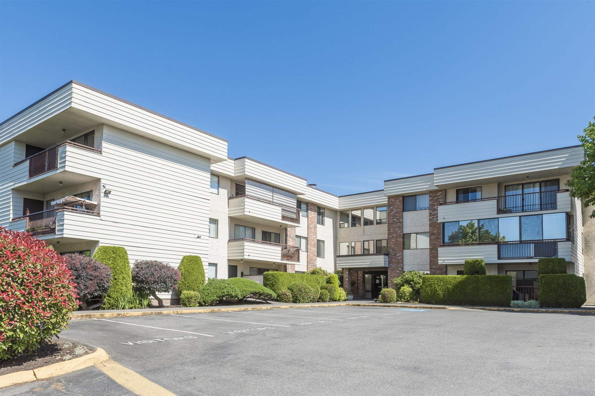 """Main Photo: 210 32885 GEORGE FERGUSON Way in Abbotsford: Central Abbotsford Condo for sale in """"FAIRVIEW MANOR"""" : MLS®# R2596928"""